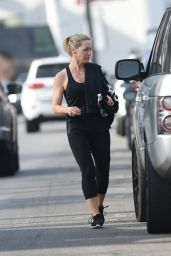 Jennie Garth Is looking fit and trim after a workout, Los Angeles