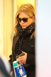 Jennifer Aniston At Christmas shopping in Los Angeles