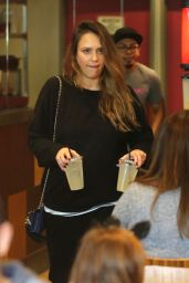 Jessica Alba At the Cabbage Patch restaurant in Beverly Hills
