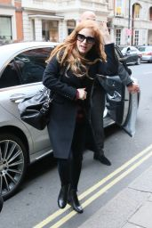 Jessica Chastain Arriving at the Claridge