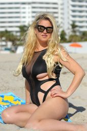 Josie Goldberg From American Nudist Hits the Beach While on Holiday