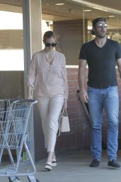 Kate Upton and Justin Varlander shopping at the CVS in Beverly hills