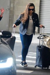 Katherine Langford Leaves Sydney to spend Christmas in Perth, Australia