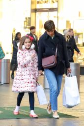 Katie Holmes Shopping at Williams-Sonoma in NYC