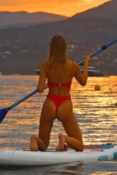 Kimberley Garner Paddleboarding in the Carribean