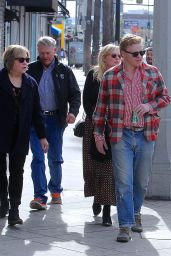 Kirsten Dunst & Jesse Plemons Out and about with their parents in LA