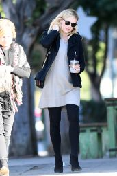 Kirsten Dunst Spotted after having lunch with her in-laws in LA
