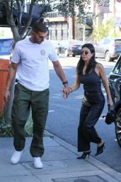 Kourtney Kardashian Head to lunch at The Little Door in West Hollywood