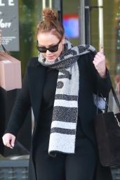 Leah Remini Doing some last minute Christmas shopping at Barneys New York in Beverly Hills
