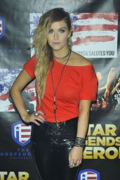Lindsay Ell At Guitar Legends for Heroes Benefit in New York
