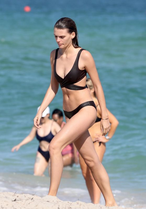 Madison Hendrik Goes for a dip in the Ocean, Miami