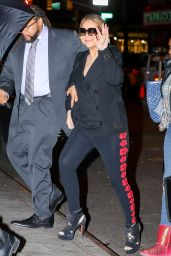 Mariah Carey Waves as arriving to perform at the Beacon theater in New York City