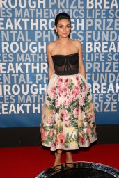Mila Kunis At 2018 Breakthrough Prize in Mountain View