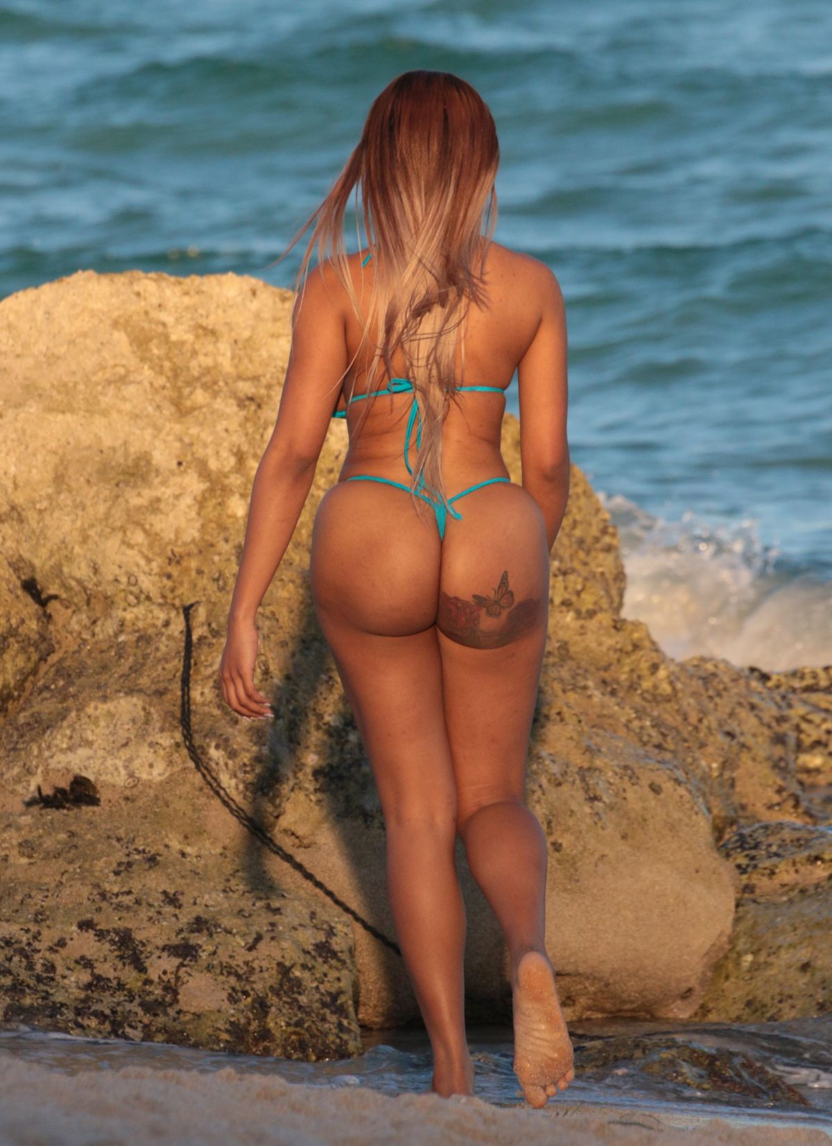Moriah Mills in Bikini Photoshoot on the beach in Miami Pic 6 of 35