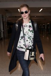 Newly engaged model and actress Kate Upton is spotted arriving at LAX Airport in Los Angeles