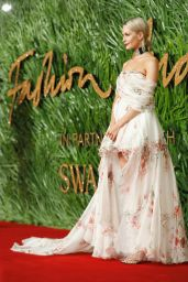 Poppy Delevingne At The British Fashion Awards 2017 in Partnership With Swarovski held at the Royal Albert Hall in London