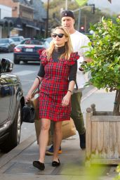 Reese Witherspoon On a holiday shopping in Brentwood