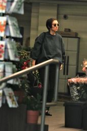 Rooney Mara Leaving a grocery store in Beverly Hills