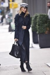 Rosie Huntington-Whiteley Shops at PAIGE on Mercer Stree - New York