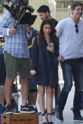 Sarah Hyland Spotted on Modern Family set in LA