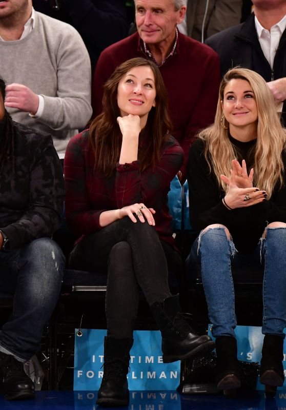 Shailene Woodley At Memphis Grizzlies Vs New York Knicks game in NYC