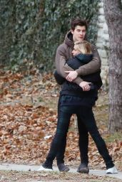 Shawn Mendes and Hailey Baldwin packing on the PDA in Toronto