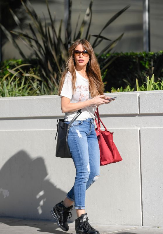 Sofía Vergara Spotted out shopping in LA
