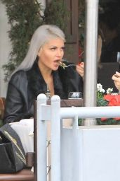 Sophia Vegas Wollersheim Grabs lunch with a friend in Beverly Hills
