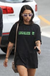 Vanessa White Steps out in an oversized t-shirt, as she heads out of the Versace hotel for a wal in Australia
