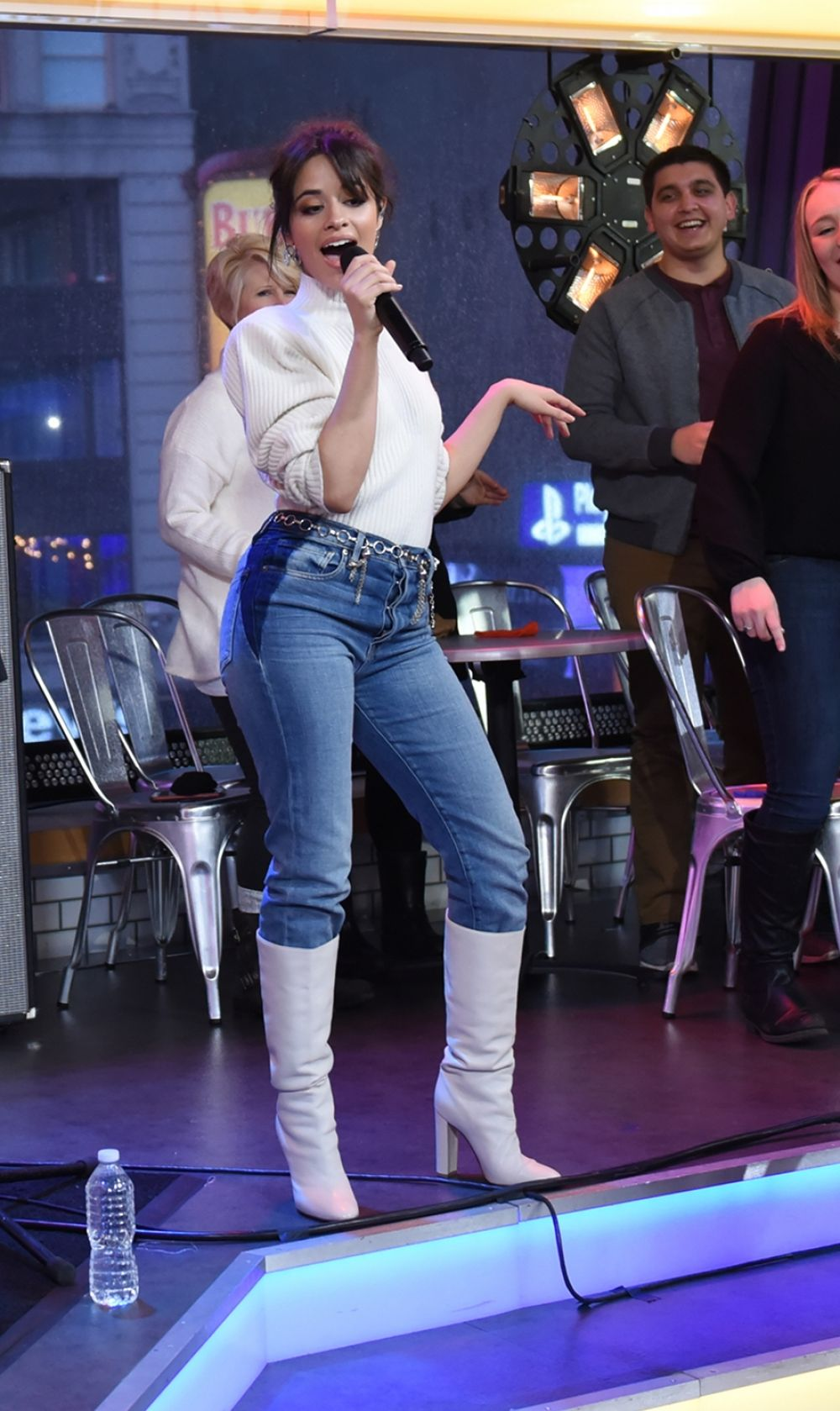 Good Morning America Nyc : Camila cabello performing on good morning america in nyc