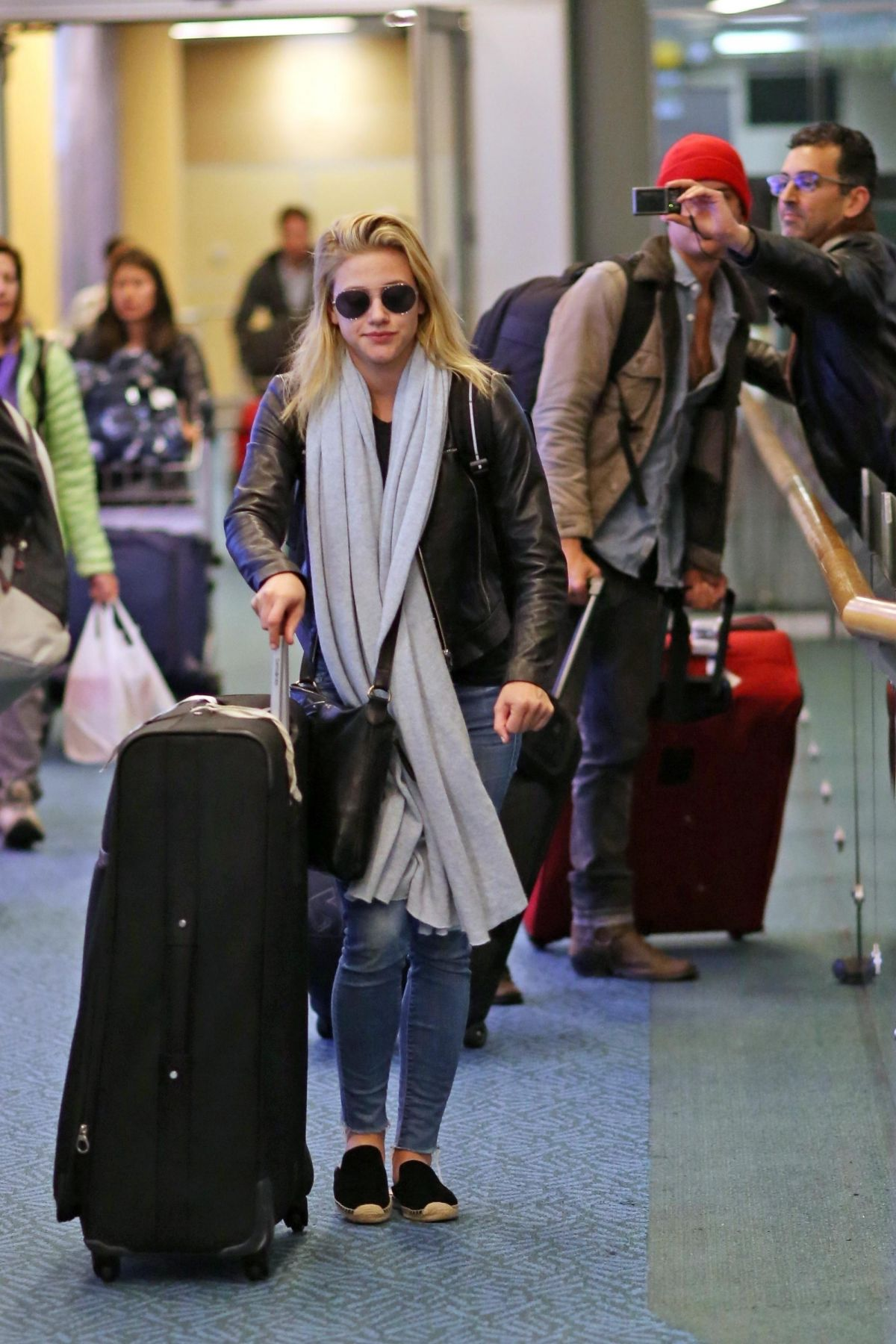 Cole Sprouse Amp Lili Reinhart Spotted Arriving Back In