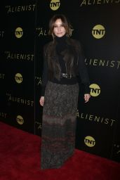 Gina Gershon At New York Premiere of TNT