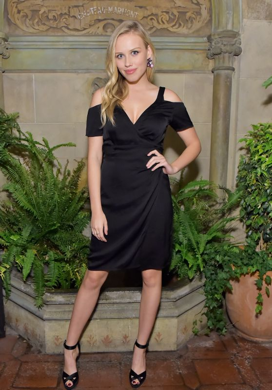 "Gracie Dzienny At Vanity Fair And Focus Features Celebrate The Film ""Phantom Thread"" in LA"