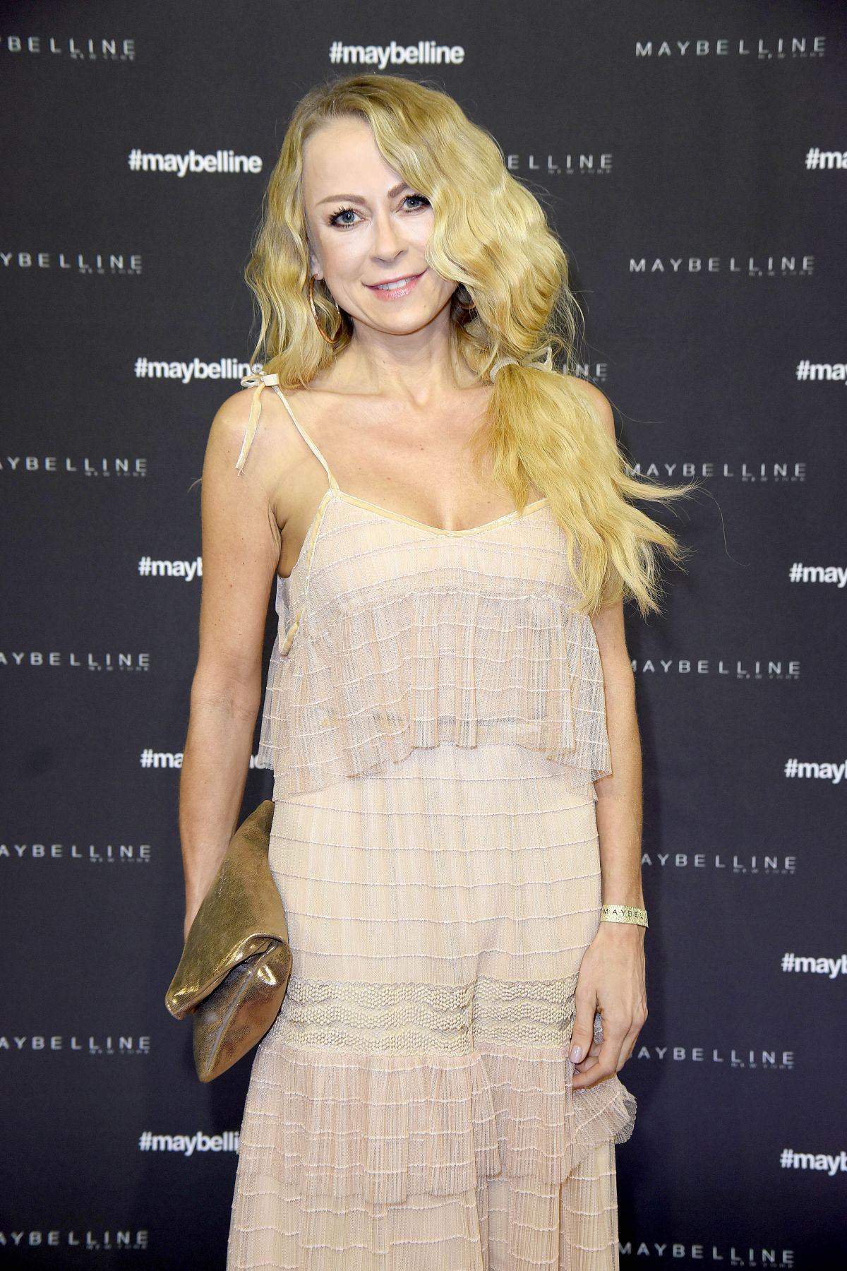 Jenny elvers at maybelline urban catwalk show autumn for Mercede benz fashion week