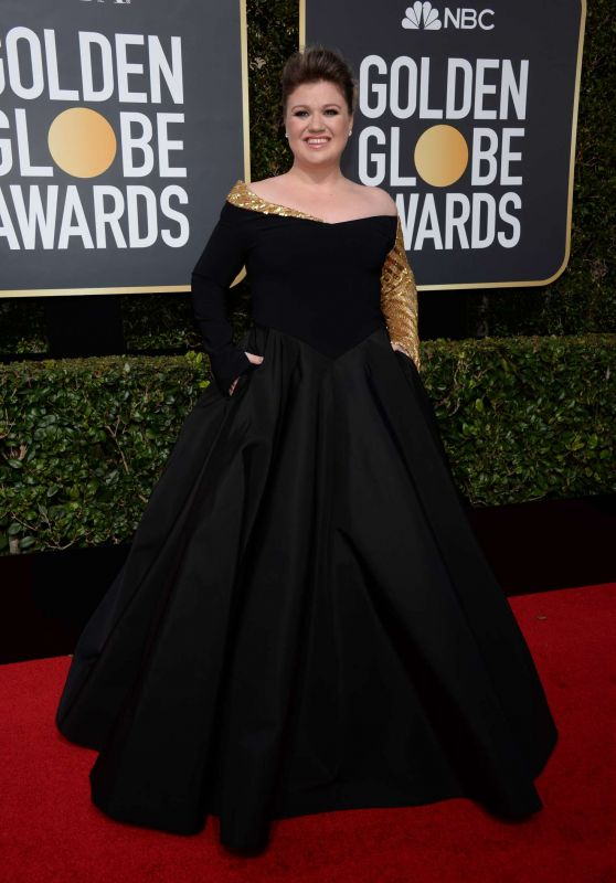 Kelly Clarkson At 2018 Golden Globe Awards in Beverly Hills