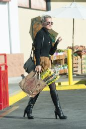 Laeticia Hallyday Shops at Trader Joe