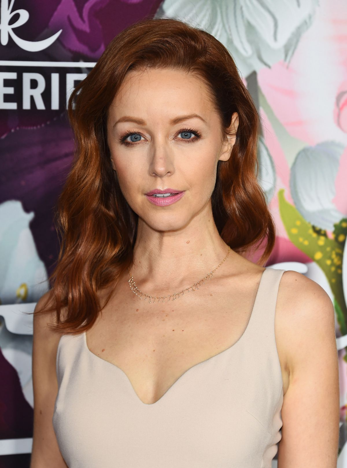 lindy booth at hallmark channel all star party arrivals