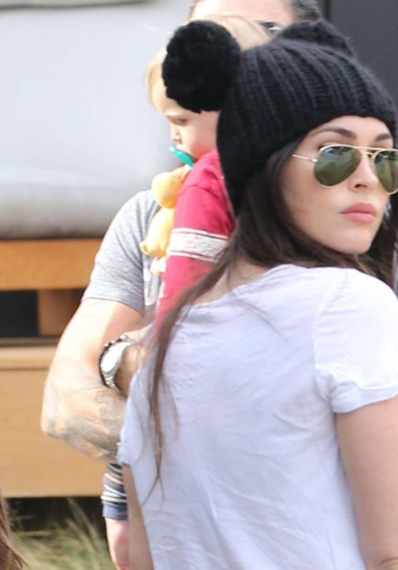 Megan Fox Out at Burger Fi restaurant with her family in Malibu