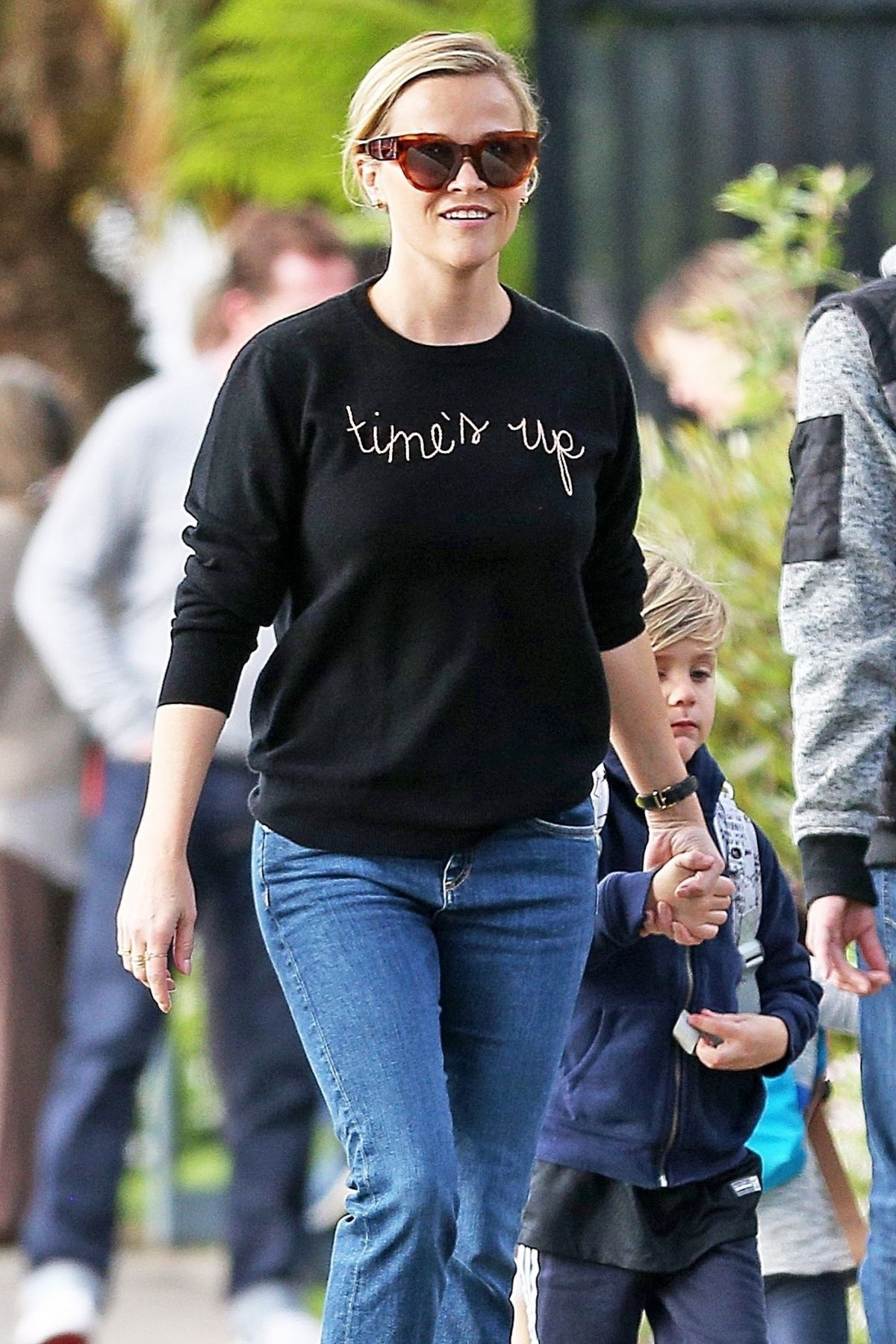 Reese Witherspoon Rocks A Time S Up Shirt While Dropping Off Her Son Tennessee James Toth In Los Angeles Celebzz Celebzz Reese witherspoon welcomes son tennessee james toth. celebzz