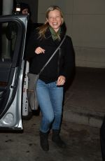 Amy Smart Grabs dinner at Craig