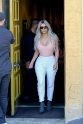 Kim Kardashian Out for lunch at Carousel restaurant in Hollywood