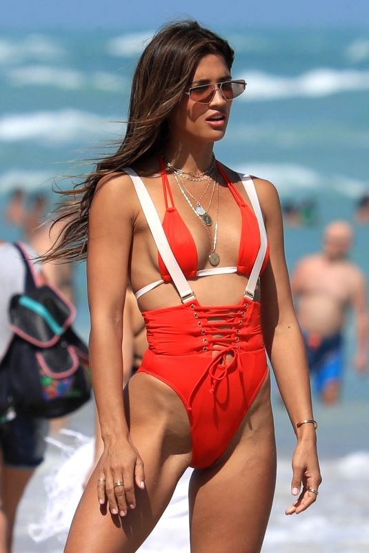 Rocky Barnes Hits the beach for an impromptu photo shoot in Miami