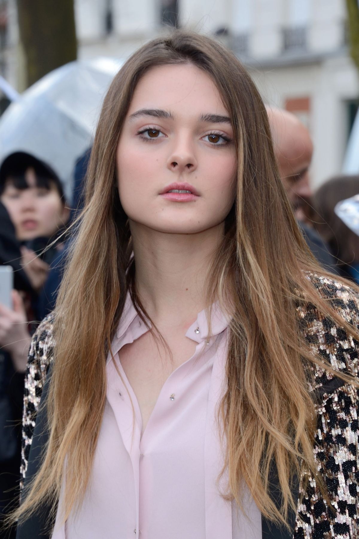 picture Charlotte Lawrence