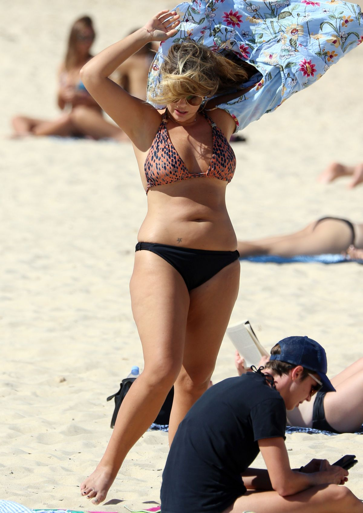 Fiona Falkiner in Bikini at Coogee Beach in Sydney Pic 26 of 35