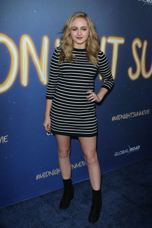 Sophie Reynolds At Midnight Sun Premiere held at the ArcLight Hollywood