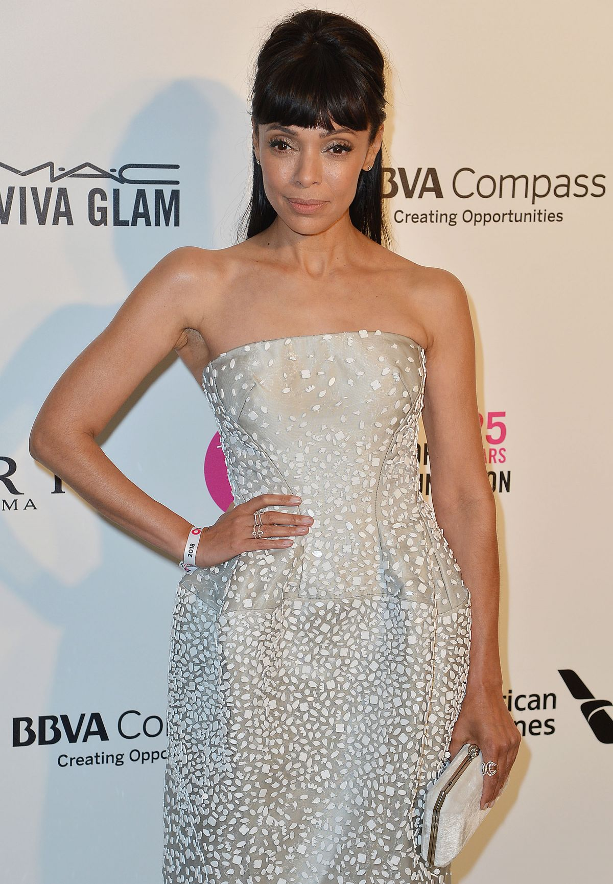 tamara taylor at elton john aids foundation academy awards