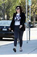 Amanda Bynes Is spotted looking fashionable in Los Angeles, California