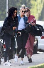 Ashlee Simpson Out for lunch with friends at Dojo Sushi in Los Angeles