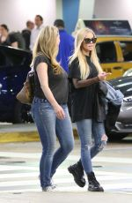 Carmen Electra Seen at the airport in Miami