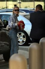 Hailey Baldwin Spotted as she arrives at the Waldorf Hotel in Beverly Hills